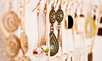 The Most Fashionable Jewelry Stands