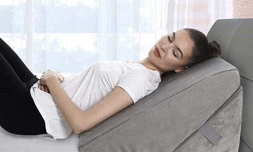 Sleep Better: Three Reasons Why a Wedge Pillow Will Give You A Great Night's Rest