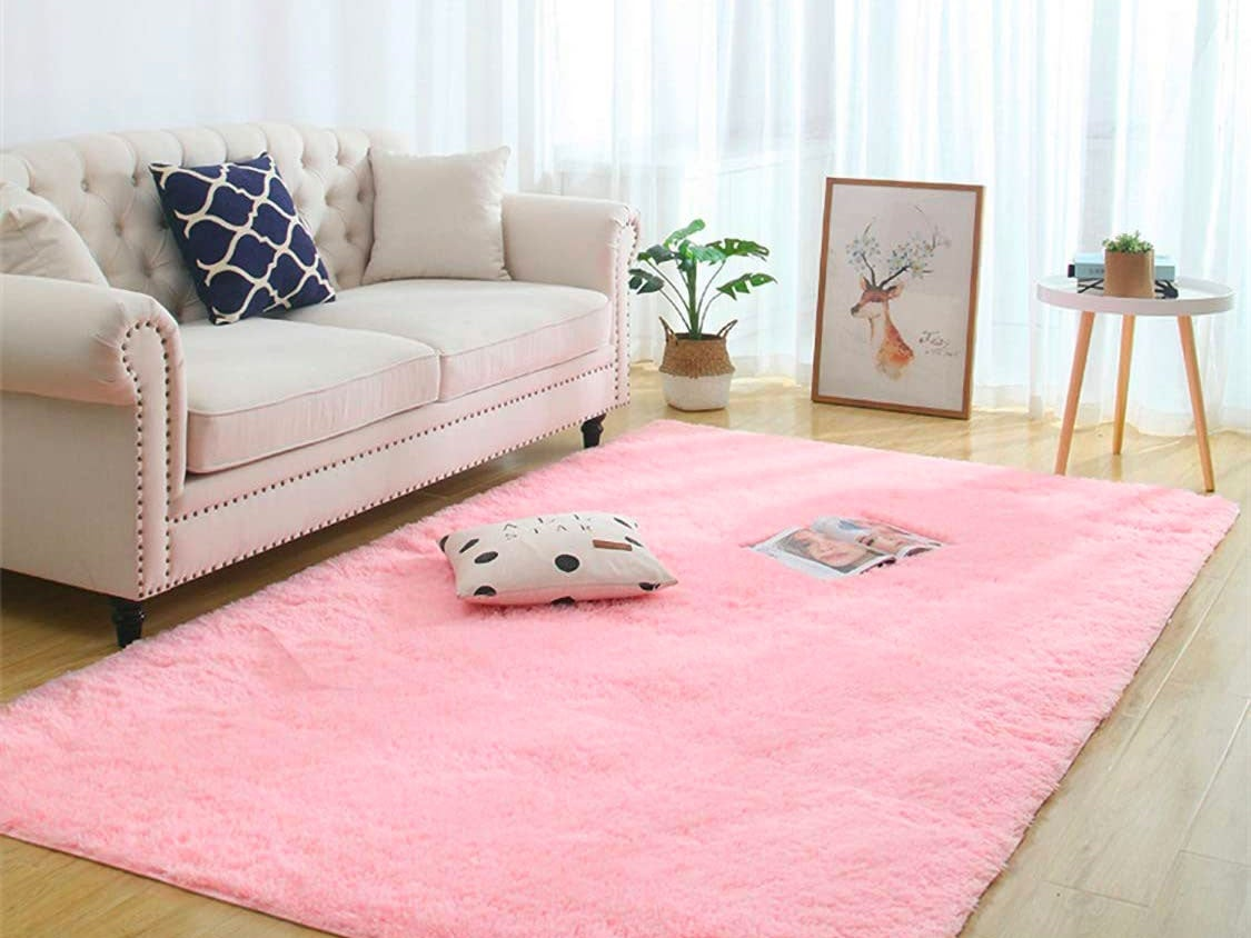 Faux Fur Rugs For An Instant Coziness