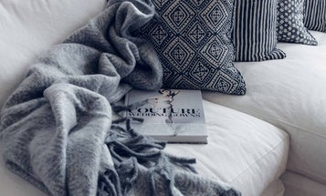 Stylish Throw Blankets to Add Color and Coziness