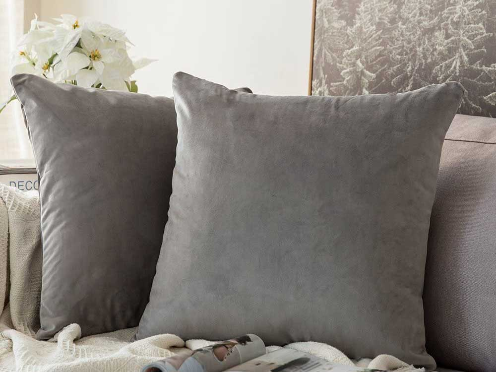 MIULEE Pack of 2, Velvet Soft Solid Decorative Square Throw Pillow Covers Set Cushion Cases Pillowcases for Sofa Bedroom Car18 x 18 Inch 45 x 45 cm