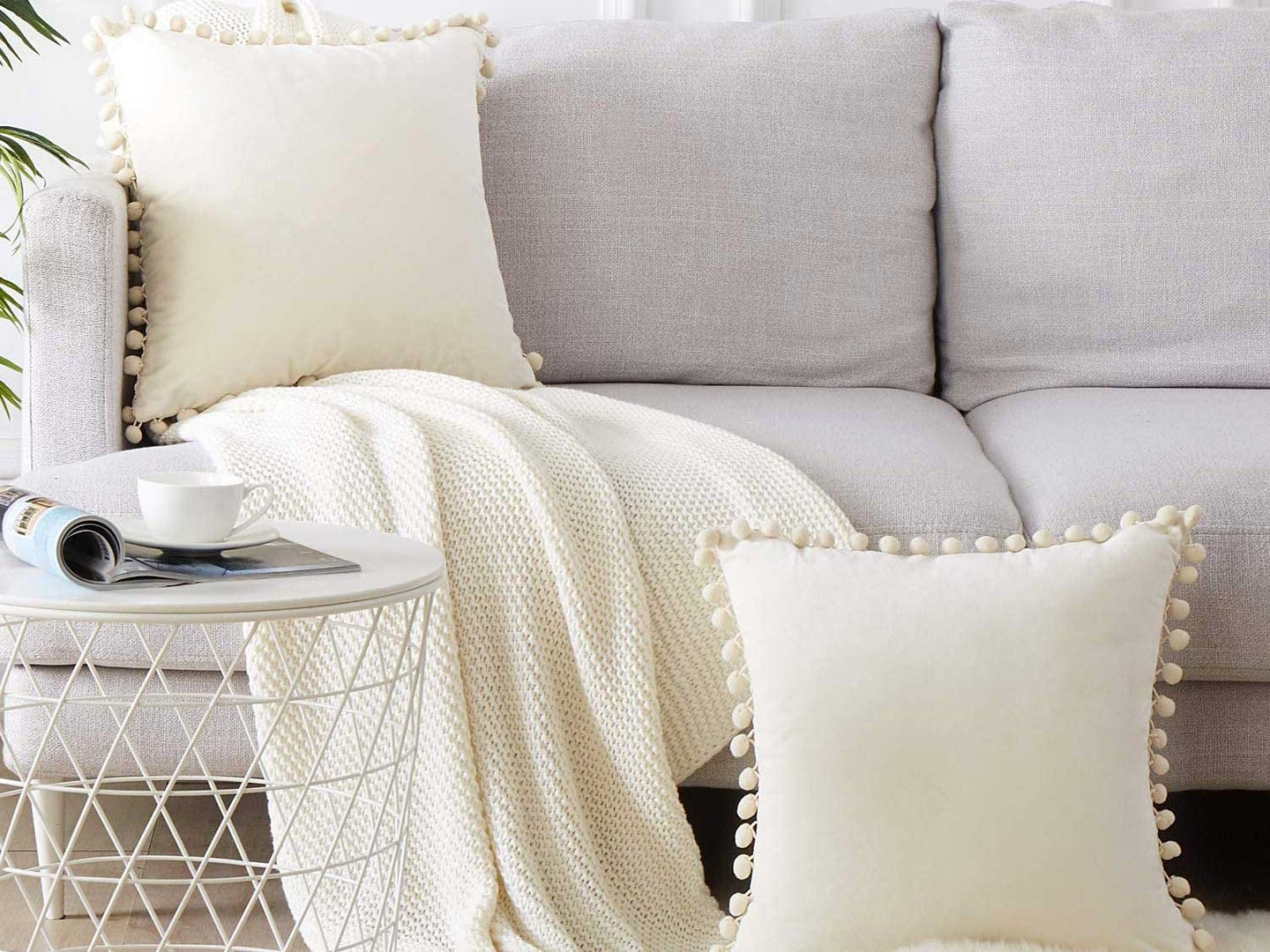 Throw pillows on couch.
