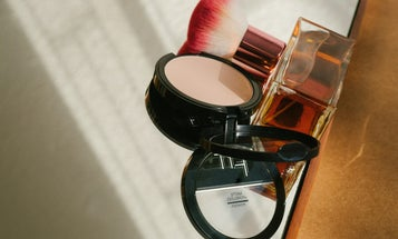 Everything You Need to Know About Applying Powder Foundation