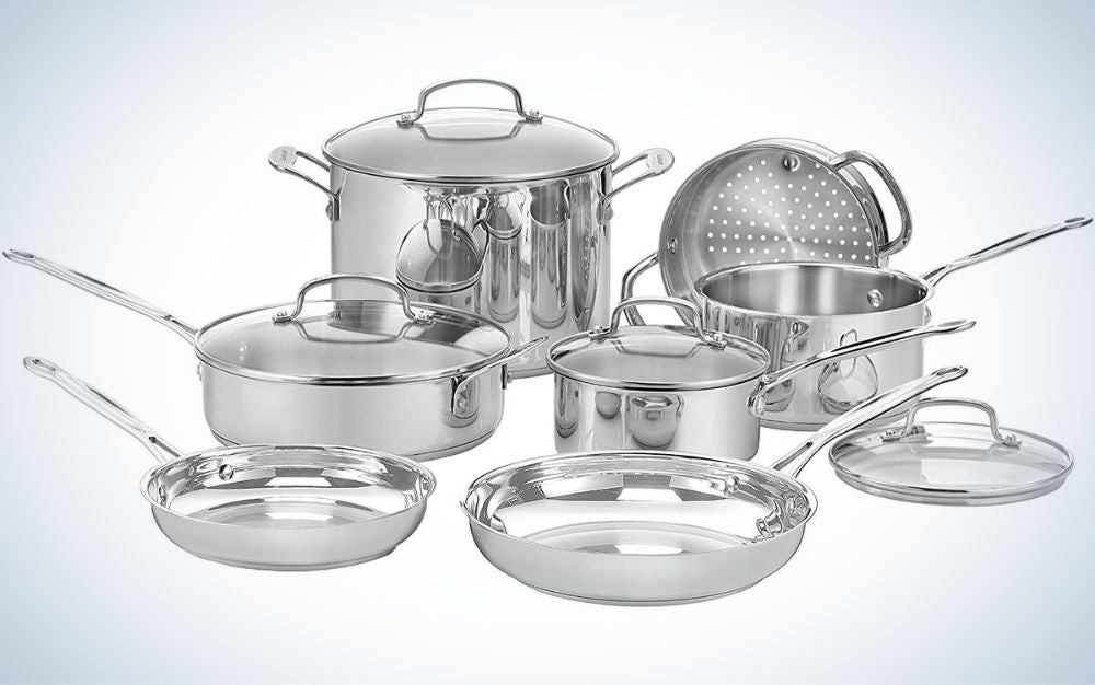 11 piece cookware set in silver.