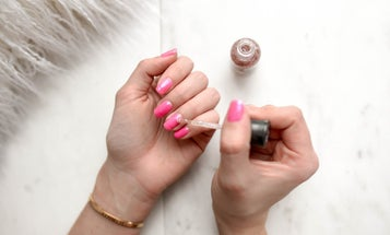 The Best Acrylic Nail Kits for a Fab DIY Mani