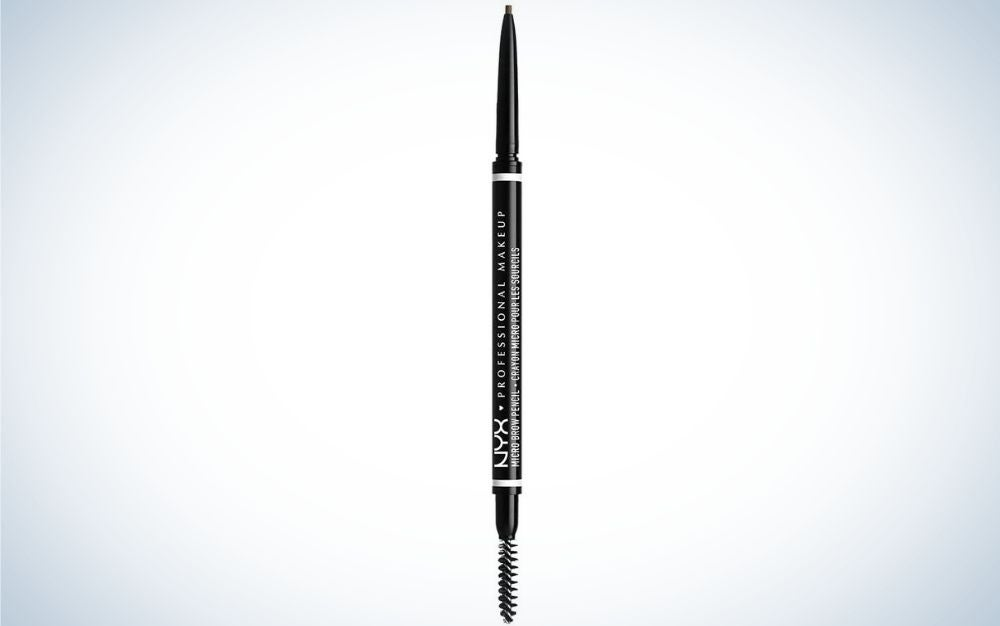 A thin and long eyebrow pencil and all black, and on the one hand there is the apse that writes and on the other hand there is the brush that gives shape to the eyebrow.