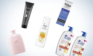 Fight Flakes with the Best Dandruff Shampoos